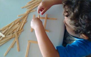 ¿Cómo favorecer la creatividad de los niños con juguetes no definidos?
