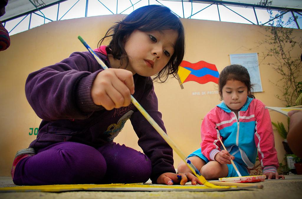 """""""Arte, educación y primera infancia"""" un libro sobre la expresión artística en los niños"""