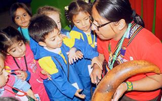 Juegos con sabiduria indigena para los más pequeños