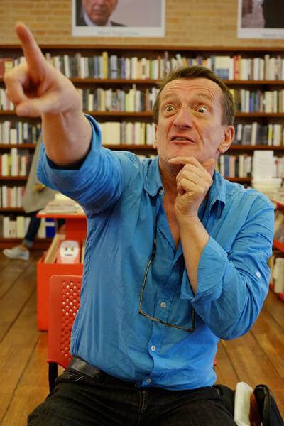"""""""Hay historias que escribo por pura diversión y porque me parece que vale la pena que sean contadas"""": Ted van Lieshout."""