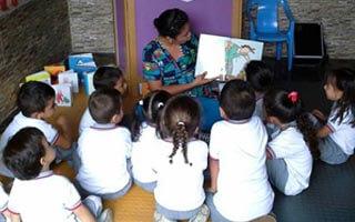 """""""La lectura enseña cosas que se aplican en la vida diaria"""" Perfil de Yuli Duarte promotora de lectura"""
