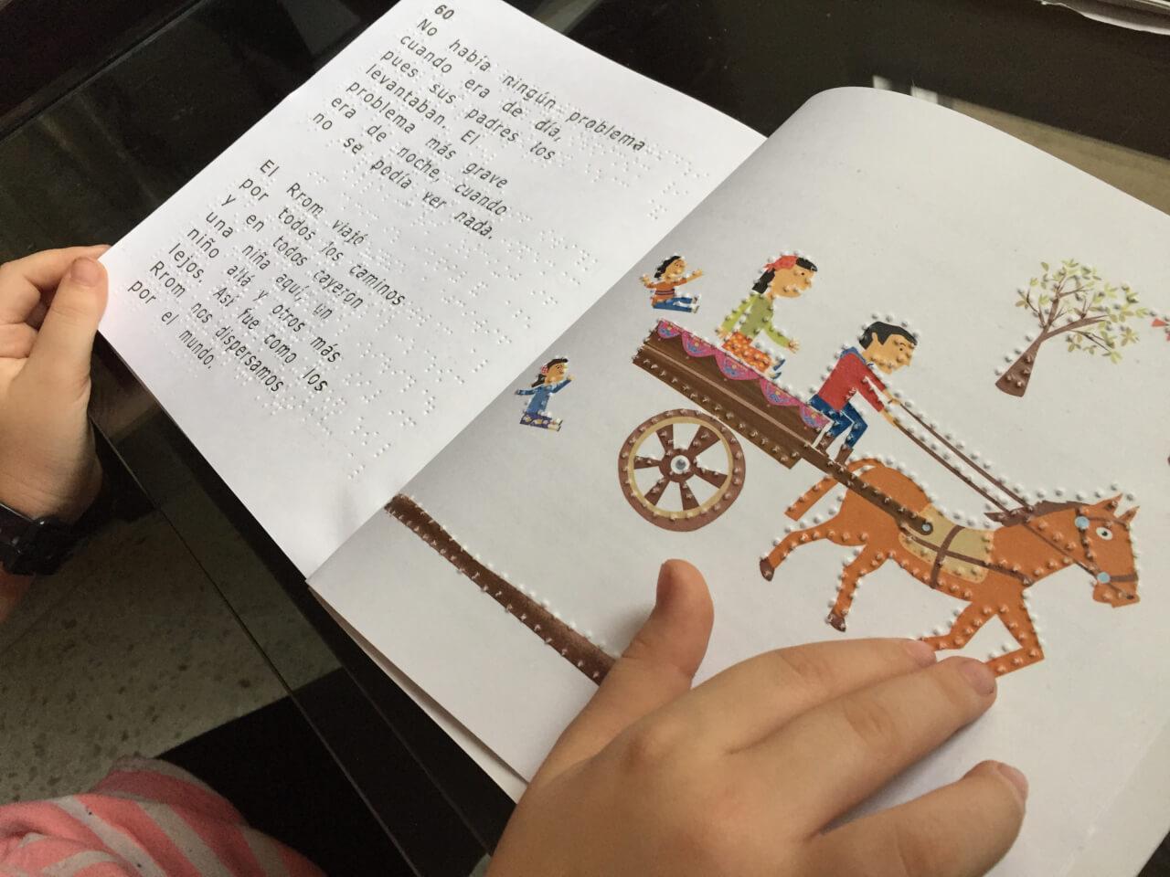 Libros en braille para niños. Relatos, cuentos y cantos afro, indígenas y rrom.
