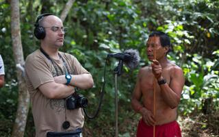 León David Cobo, el artista sonoro que revitaliza las lenguas indígenas
