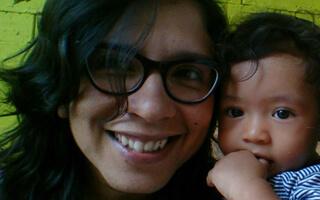 Andrea Vega Serna, la escritora y guionista que habla sin pelos en la lengua