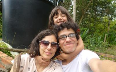 Andrés, María y Emma, una familia transnacional