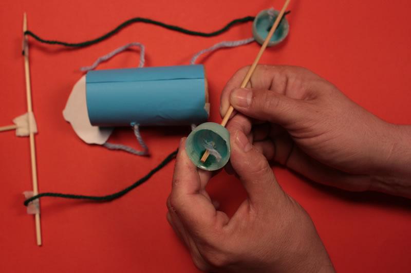 Paso 14 - Tutorial ¿Cómo hacer una marioneta de hilos?