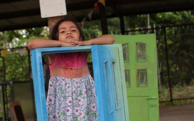 Hablarle a los niños sobre la vida: una entrevista a Vanessa Fort