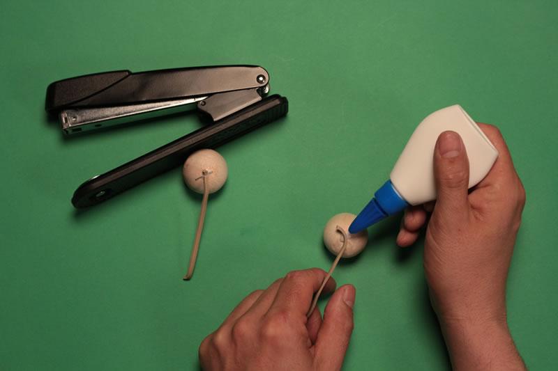 Paso 6 - Tutorial ¿Cómo hacer un tamborín de cartón?